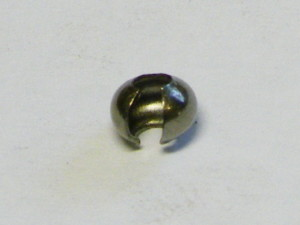 Crimp cover in dark metal 3.8 mm. Approx 3 mm when closed