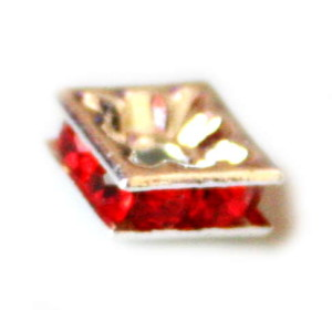 Silver square roundel w red rhinestones, 7mm-0
