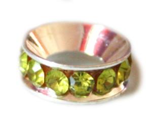 Light olivine coloured rhine stones set in rondelle. Silver base colour. 12mm -0