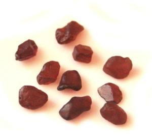0.4cm-0.7cm garnet crystal