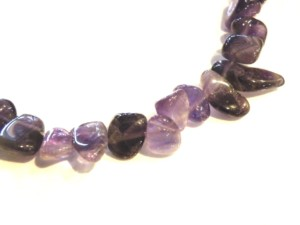 Amethyst, side-drilled chips. 40cm-0