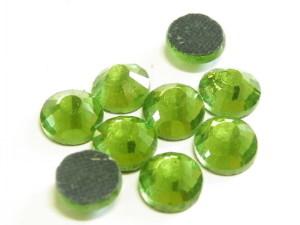144 hotfix rhinestones, ss34, green 7mm