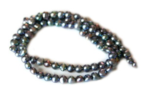 4-5mm peacock off-round freshwater pearl string, 38cm