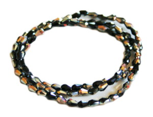 Black & gold glass string, 3x5mm, pear shape, 38cm