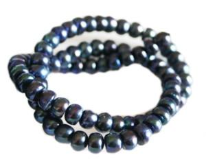 Midnight blue freshwater pearl string, flatback, 7-8mm, 35cm