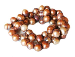 Brown freshwater pearl string, side-drilled, ringed potato, 8-9mm, 35cm