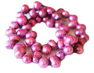 Metallic pink freshwater pearl string, round, ringed, 8-9mm, 35cm
