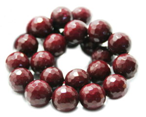 Ruby colored Jadeite bead string, round, faceted, 16mm, 40cm