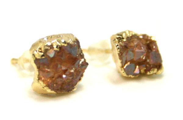 Druzy stud earrings, gold base, 10mm
