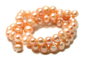 Freshwater pearl string, light peach/lilac, off round, 7-7.5mm, 40cm